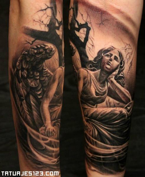 Doble tatuaje de ángel