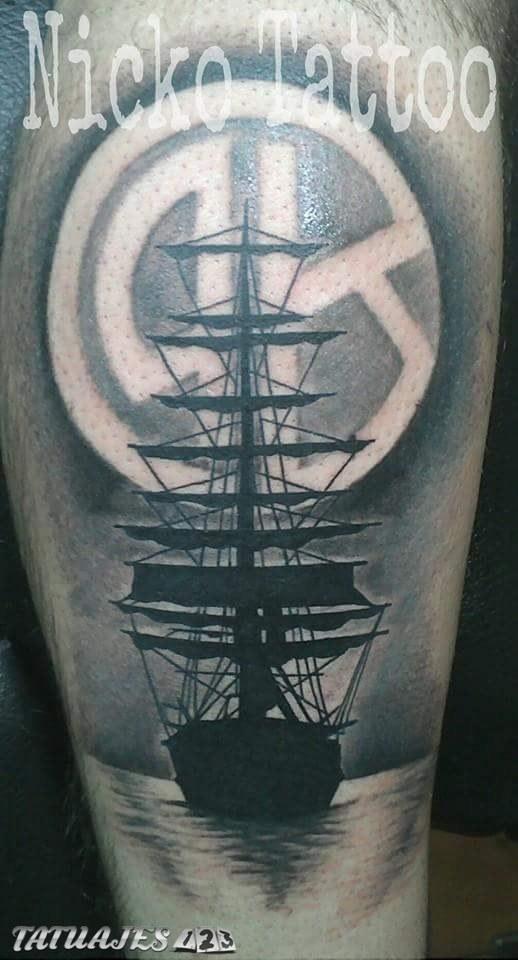 Barco con escudo de belgrano