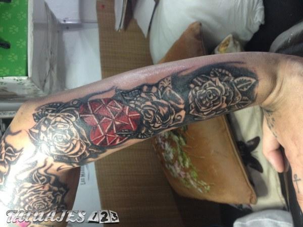 Flores en el brazo