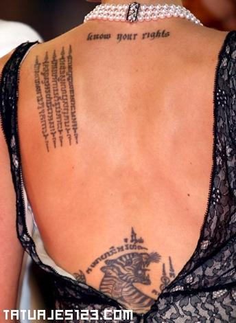 Letras en la espalda