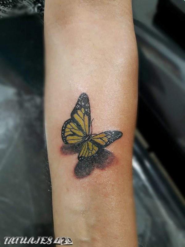 Mariposa 3D amarilla