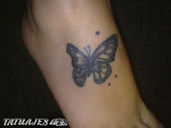 Mariposa en el pie