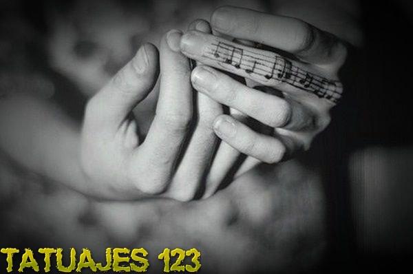 Música entre los dedos