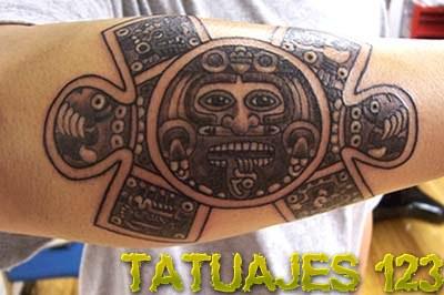 Significado de los tatuajes aztecas for Aztec hand tattoo