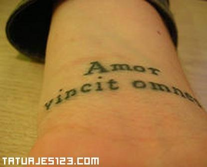 Frase en Latn Tatuajes 123