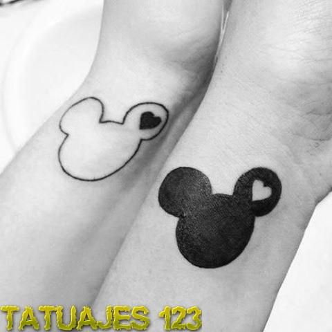 Tatuaje para parejasMickey And Minnie Mouse Matching Tattoos