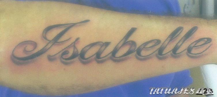 tatuaje sencillo con nombre propio