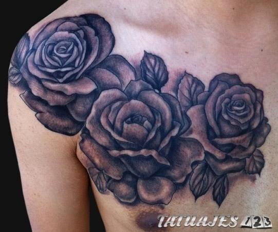 Tatuajes de rosas en colores, ¿conoces su significado?