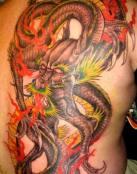 Tatuaje de un dragón chino