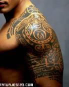 Tatuajes tribales y simbólicos de La Roca
