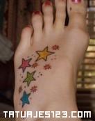 Estrellas de colores en el pie