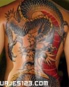 Dragon en Rojo y negro