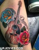 Guitarra con flores