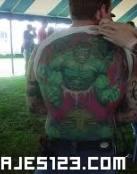 Hulk en la espalda