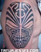 Mascara Maorí
