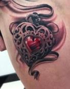 Un colgante con corazón