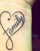 Tatuaje corazón familia