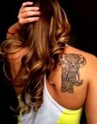 Tatuaje en el omóplato