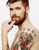 Tatuaje con dibujo y frase