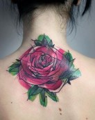 Gran rosa en la nuca