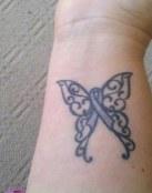 Mariposa y lazo
