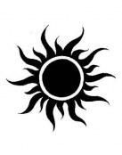 Tatuaje tribal con sol en medio