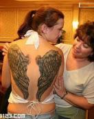 Alas de ángel en la espalda