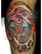 colorido tattoo de un elefante extraño