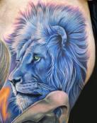 León con melena azul