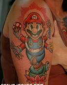 Mario Bros haciendo malabares