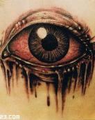 Tatuaje de un ojo rojo sangriento