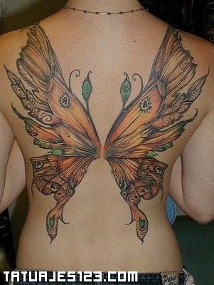 Alas de mariposa en la espalda