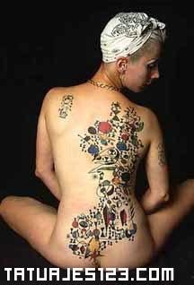 Espalda de mujer - Tatuajes 123