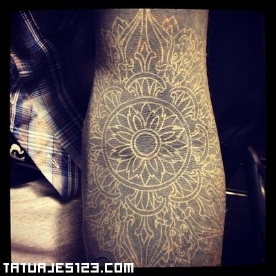 Mosaico Blackwork