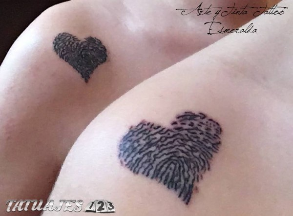 Corazones huellas dactilares