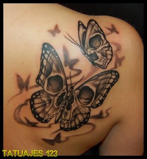 Mariposas con diseño de calavera