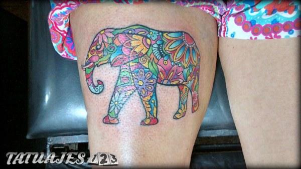 Elefante mándala pintado