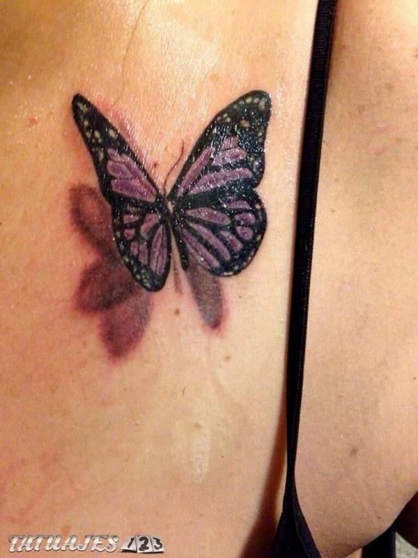 Mariposa violeta 3D