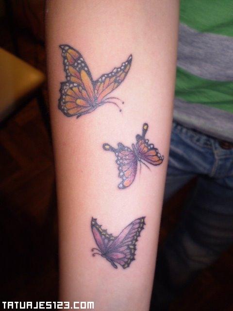 Mariposas revoloteando