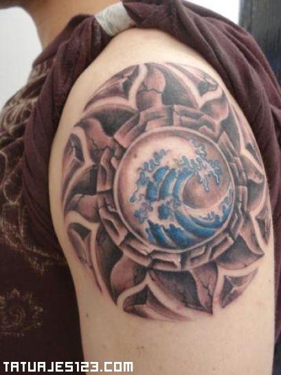 Sol maya en el hombro
