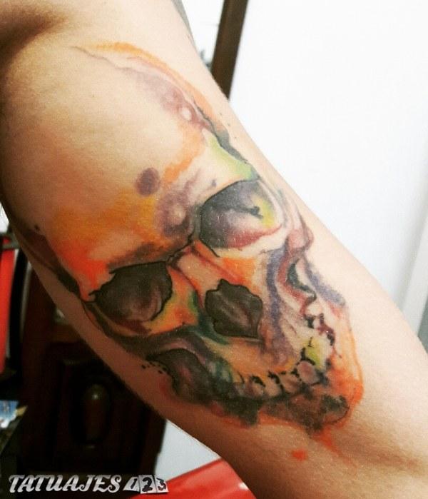 Tattoo calavera cicatrizado