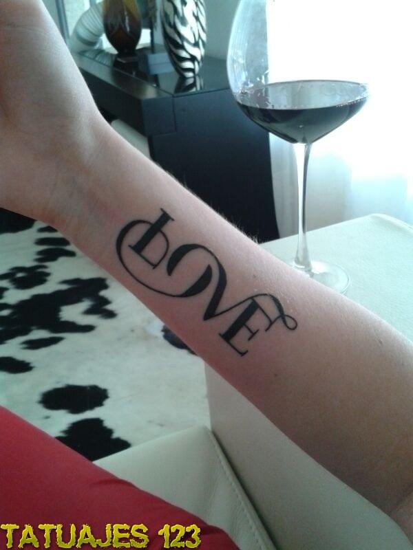 Letras originales para Love