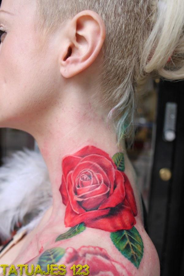 Rosa En El Cuello Tatuajes 123